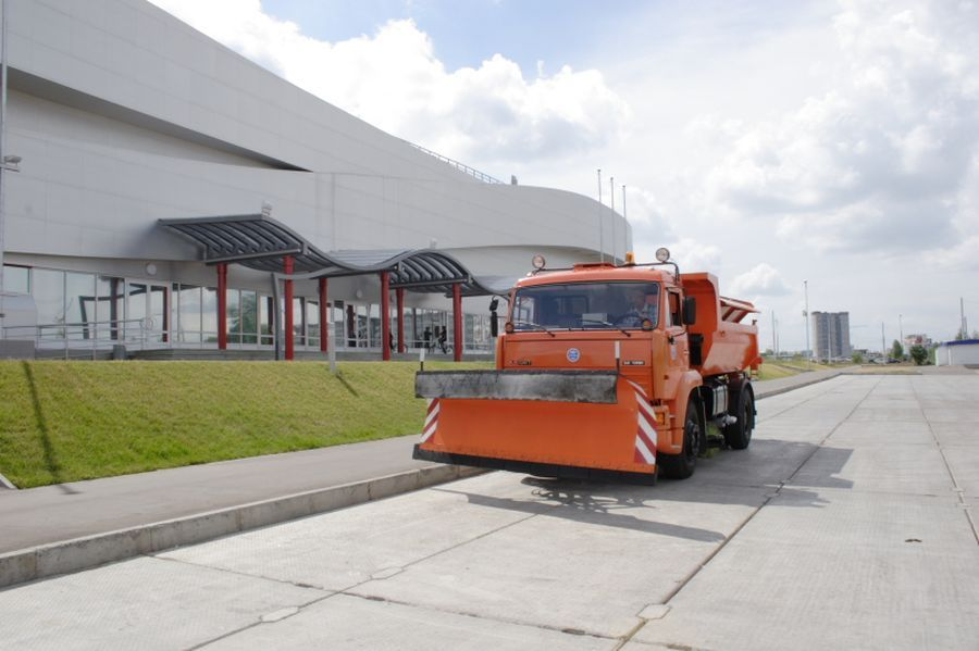 KAMAZ SNOW CLEANING TRUCK